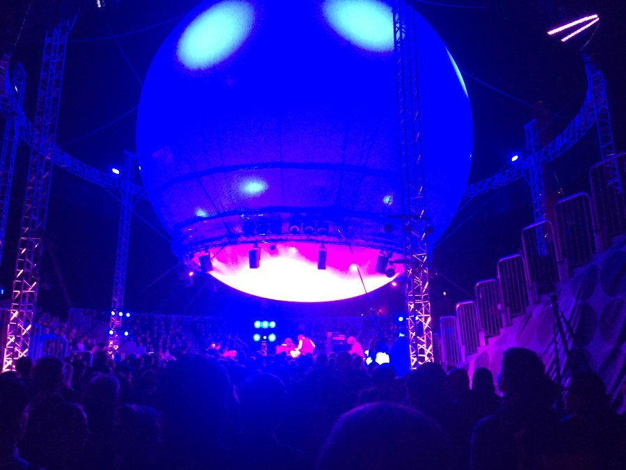 Dungen בבימת ה-Ballon Stage 360 הפסיכדלית (צילום: עידו שחם)