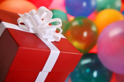 list of necessities to keep in your gift wrap station | ListPlanIt.com