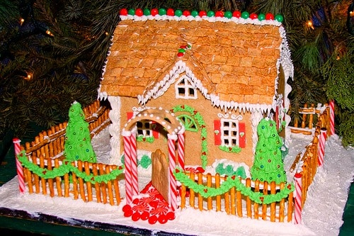 List of ingredients for building a gingerbread house for Cool designs for gingerbread houses