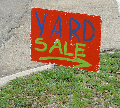 list of things you need to host a great yard sale | ListPlanIt.com