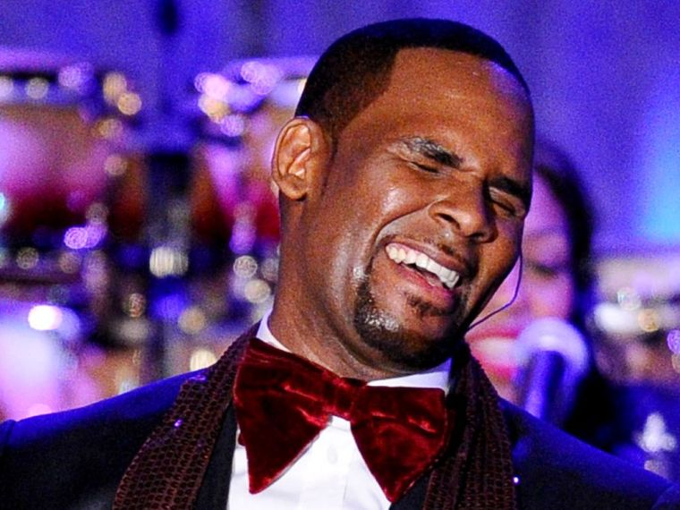 "R Kelly's ""Sexual Deviancy"" Could be a Result of ""Brain-Damage"""