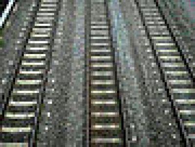 90px-Three_rail_tracks_350