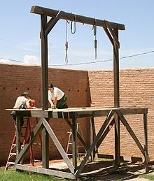 220px-Tombstone_courthouse_gallows