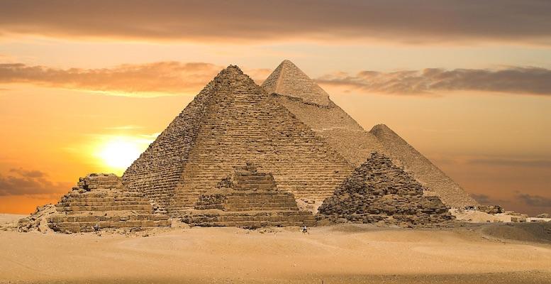 """Le Lapis Lazuli, surnommé la """"pierre des Pharaons"""", était très prisée dans l'Egypte antique"""
