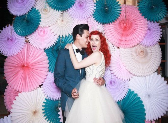 There are some amazing wedding photo booth backdrops