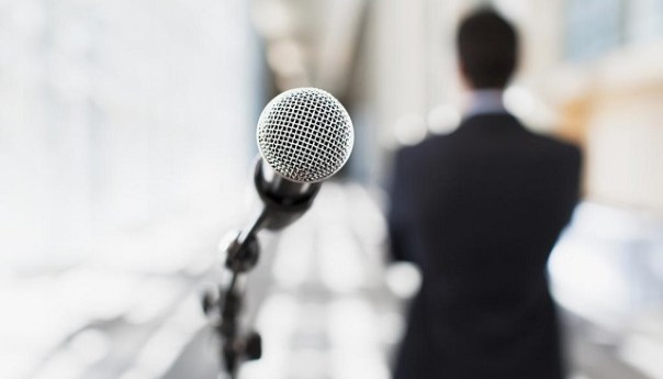 4 Tips to Prepare for Public Speaking