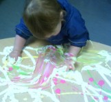 BABIES - Exploring shaving foam
