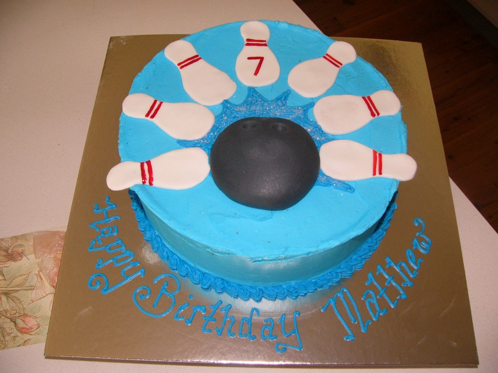 Bowling Cakes Decoration Ideas
