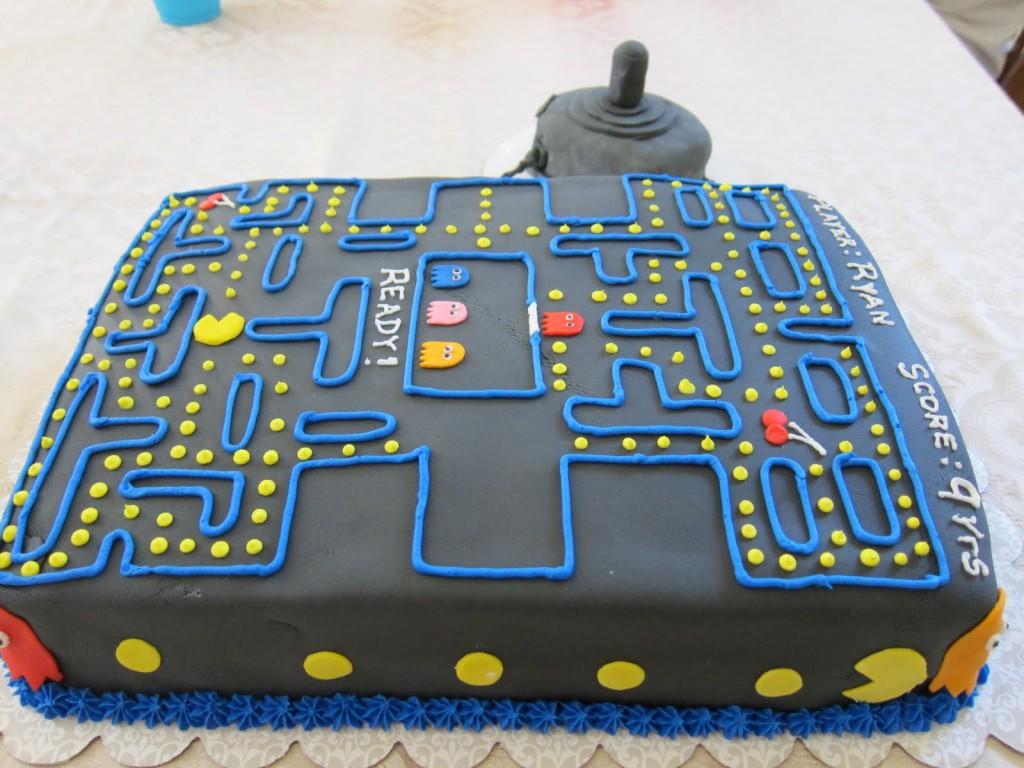 Pacman Cakes Decoration Ideas