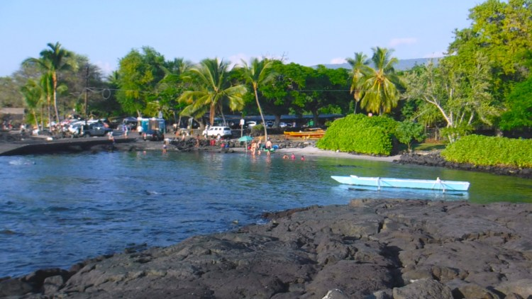 Guide To Big Island Hawaii Snorkeling at 2 Step Beach. Bonus info about snorkeling at other top spots in Hawaii.