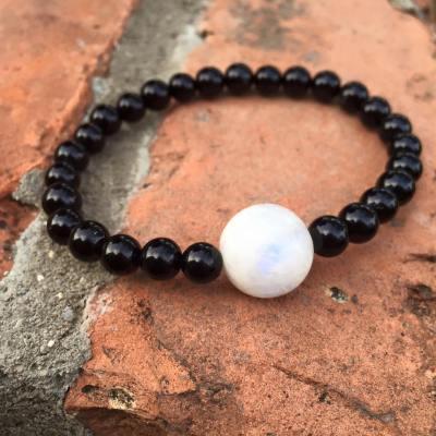 wrist-moonstone-and-onyx
