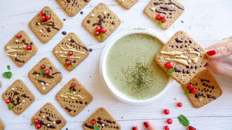 How to Make Simple Gluten Free Christmas Cookies