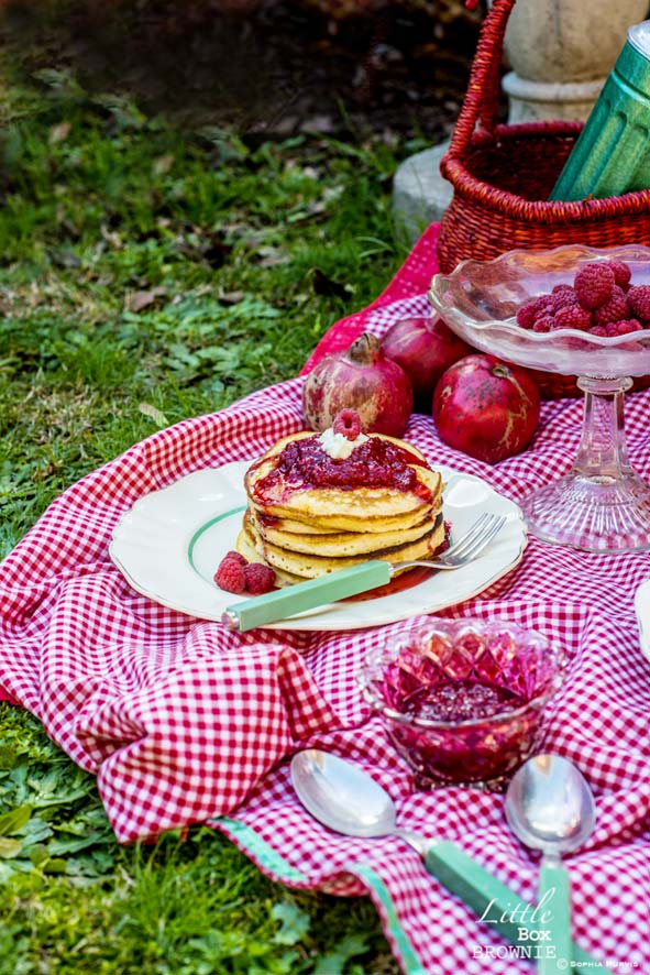 Ricotta pancakes with raspberries