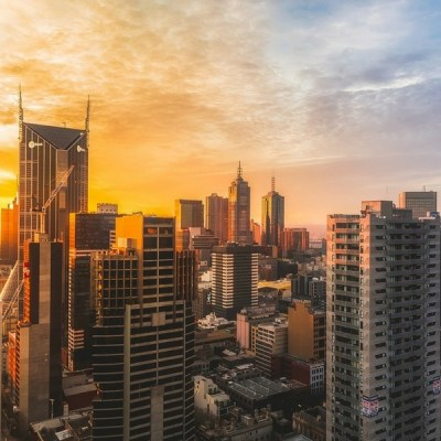melbourne city skyline at sunset | Learn about city travel with kids from the experts at Little City Trips