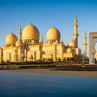How to get from Abu Dhabi to Dubai