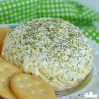 Dill Pickle Cheeseball (Easy Appetizer)