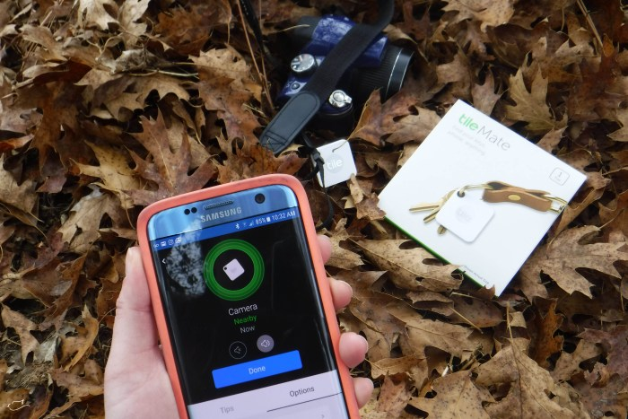 SImple Gift Guide Tile Bluetooth Tracker