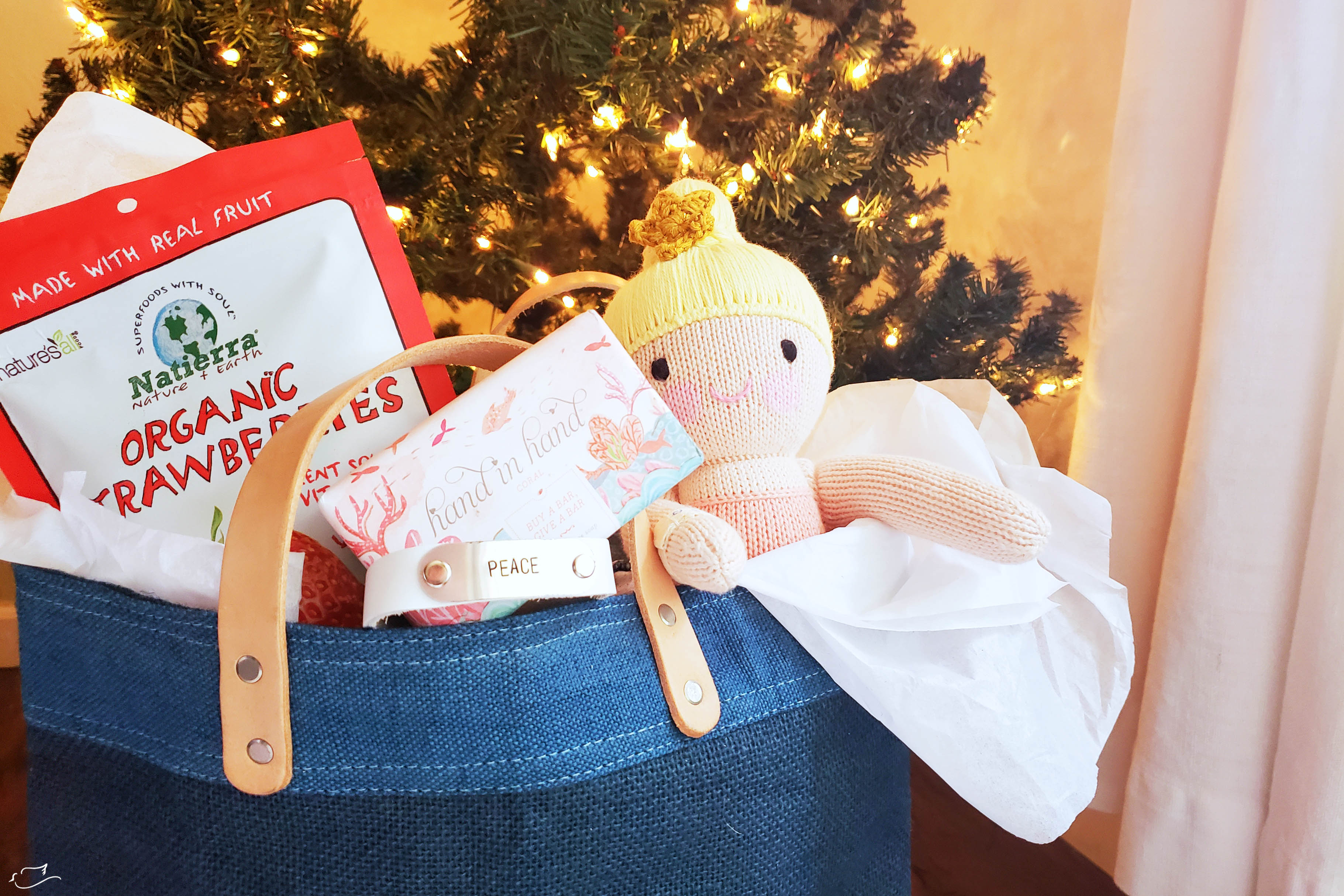 30+ gifts that give back & 30+ gifts that give back - Little Dove Blog