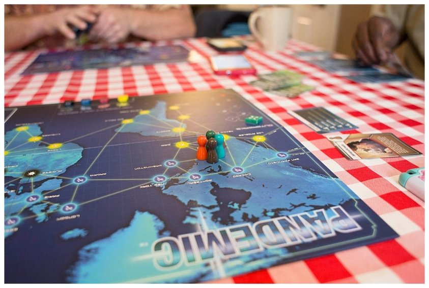 Sunday afternoon Pandemic. I hope you aren't counting on these guys to save the world.