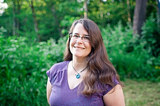 Renee Bergeron blogger, writer, birth photographer. Little Earthling.