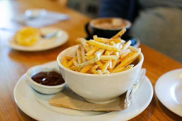 Bowl of chips in a cafe in New Zealand