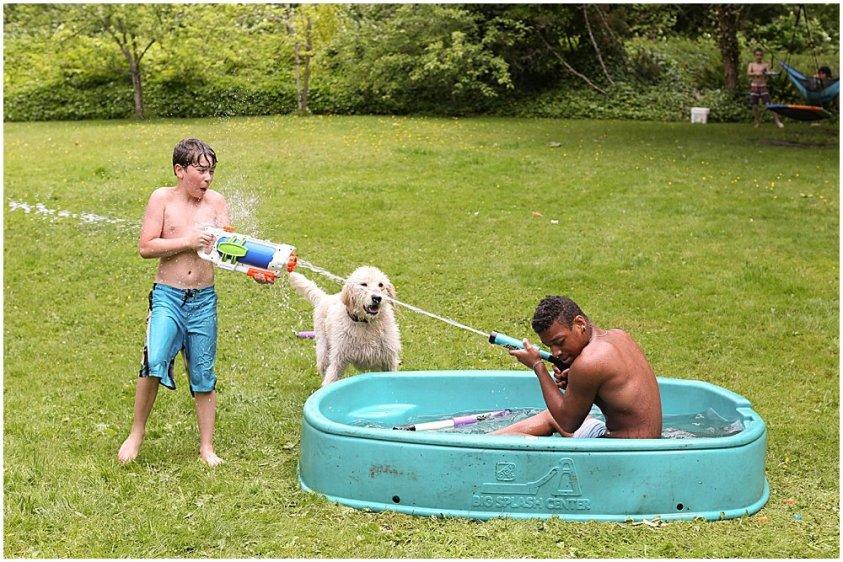 Mordecai and Apollo having a water fight.
