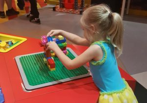 legos encourage kids to be creative