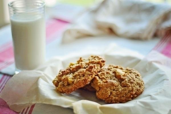 Oatmeal Apple Cookie