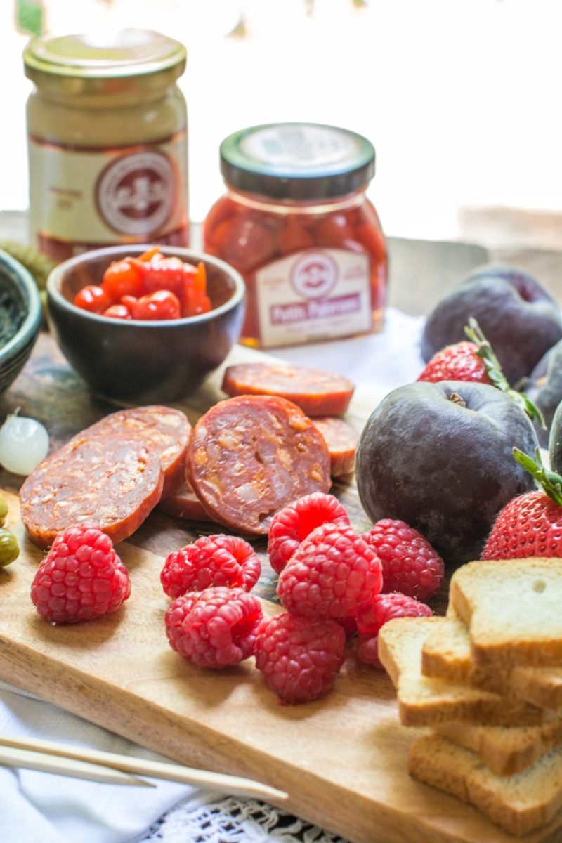 Create your own summer recipes using quality products from @3pigspate! Find this recipe at Little Figgy Food #3PigsPate #UnboreYourBoard #ad