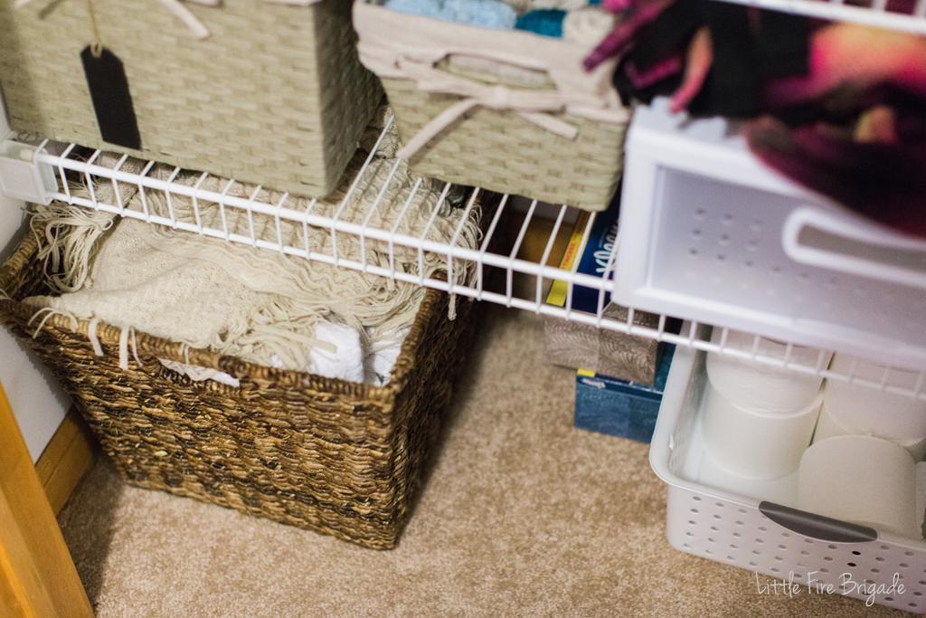 organizing_ideas_linen_closet_3