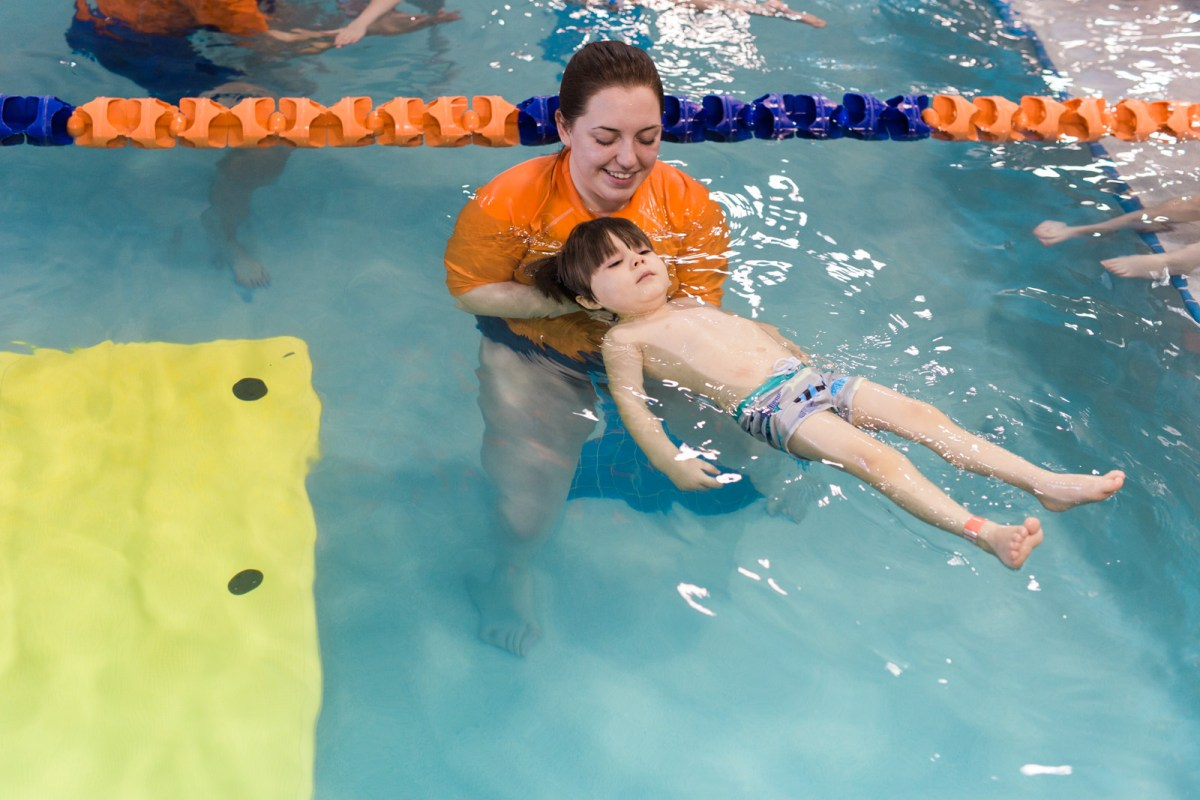 kids-swimming-lessons-in-columbus-5