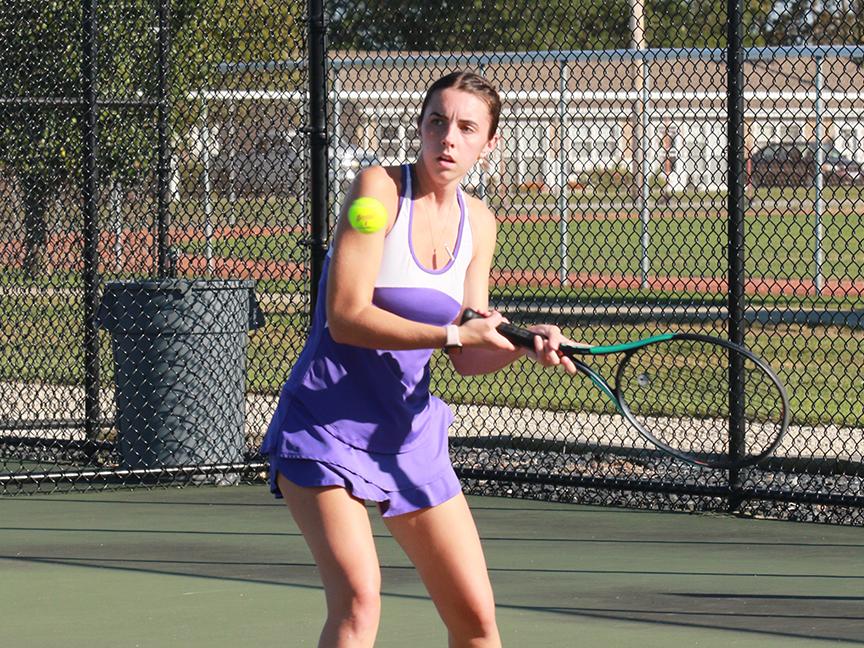 Ross Tennis Sweeps Bellevue 5-0