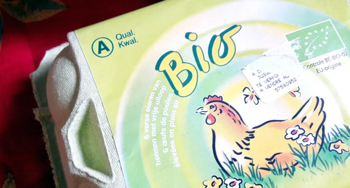 Pour bien choisir ses œufs, il faut être attentif à leur qualité. Celle-ci est indiquée sur la face supérieure de la boite d'œufs.