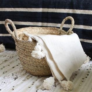 www.littlegreenbee.be couverture-berbère-laine-avec-pompons
