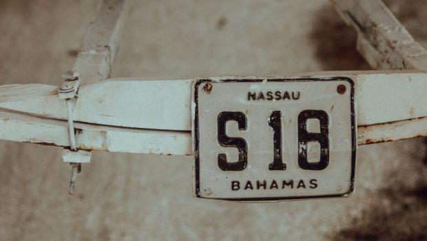 voyage bahamas valise minimaliste