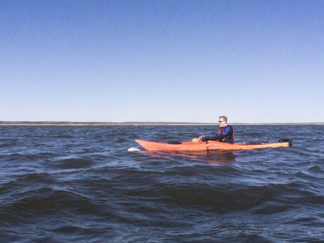 Kayaking-with-Beluga-whales-Churchill