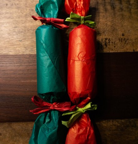 Homemade-christmas-crackers