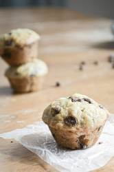 Looking for the perfect lunchbox treat or tiny treat? Try these delicious Mini Banana Chocolate Chip Muffins!
