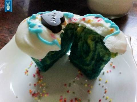 lhor-tie dye cupcakes (3)