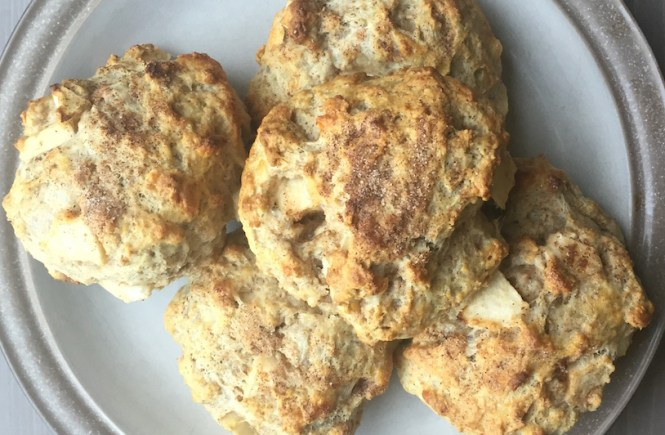apple-cheddar-biscuits