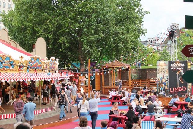 London Wonderground main bar area