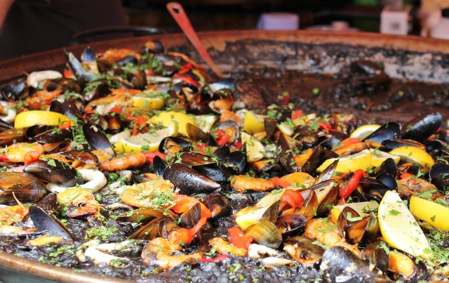 Black paella from Negra y Mor