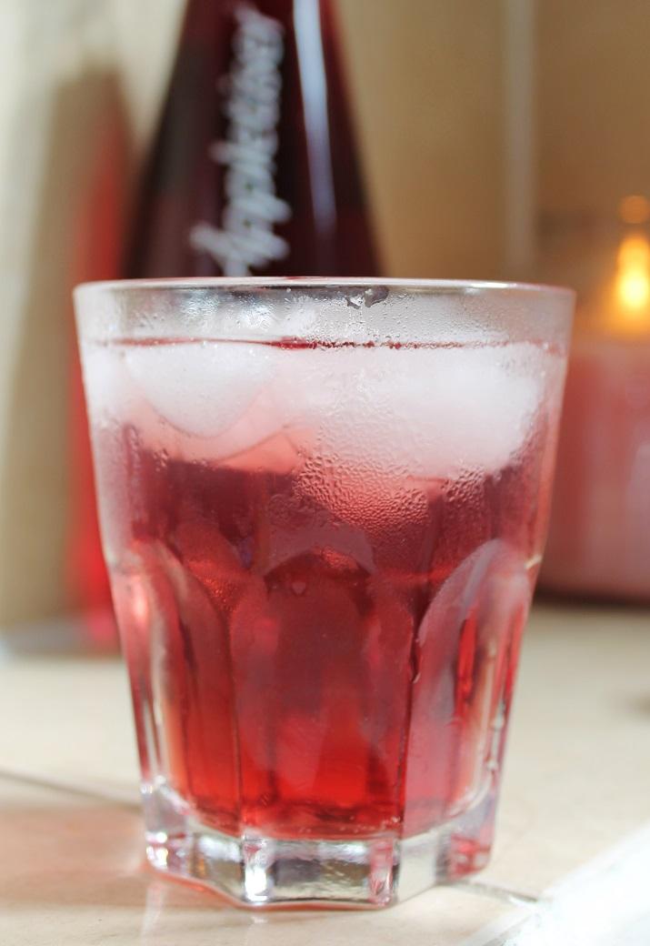 Appletizer blackcurrant cocktail