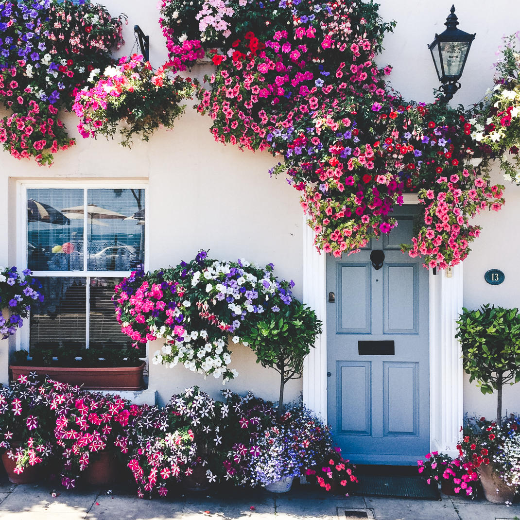pretty english cottage