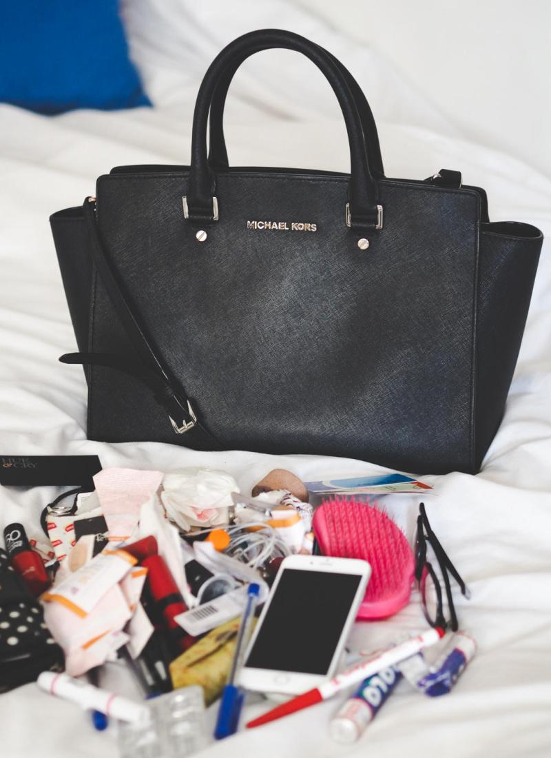 WHAT'S IN MY BAG 2016