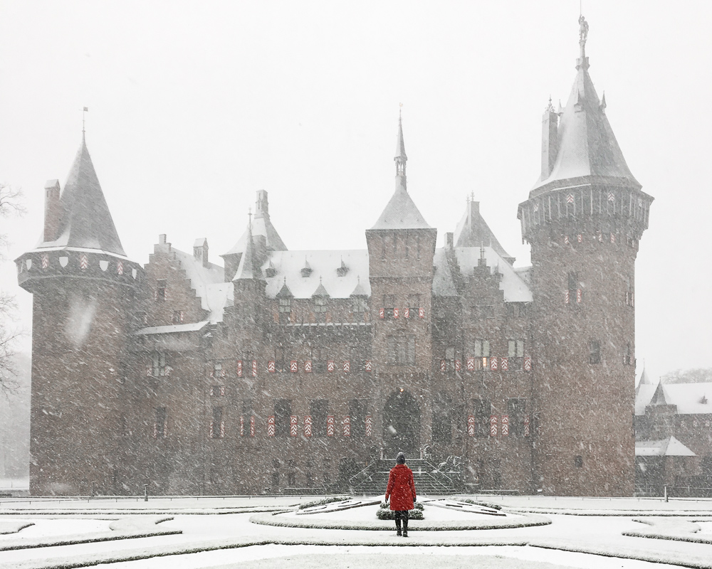 de haar castle in the snow