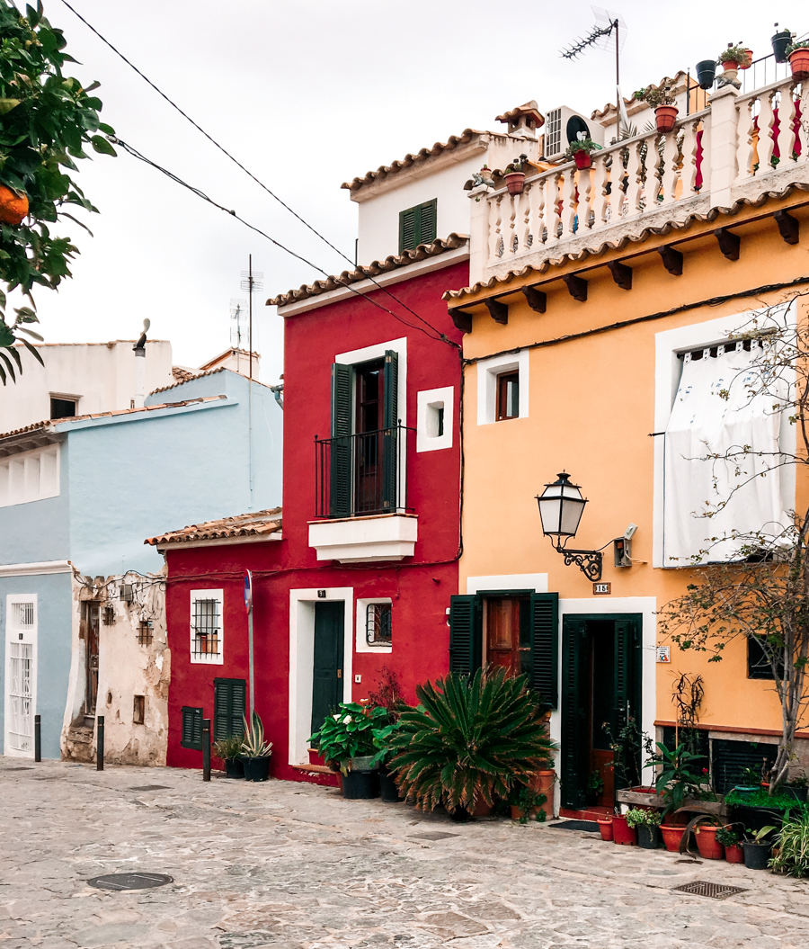 colorful houses palma de mallorca