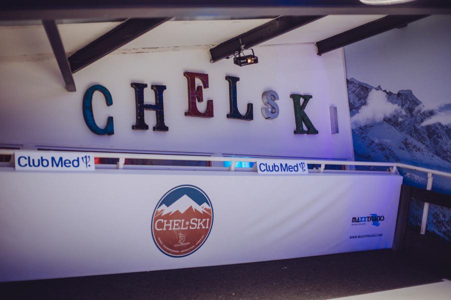 Chelski indoor skiing in London