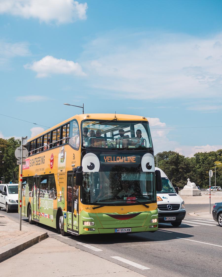 Vienna tourist bus