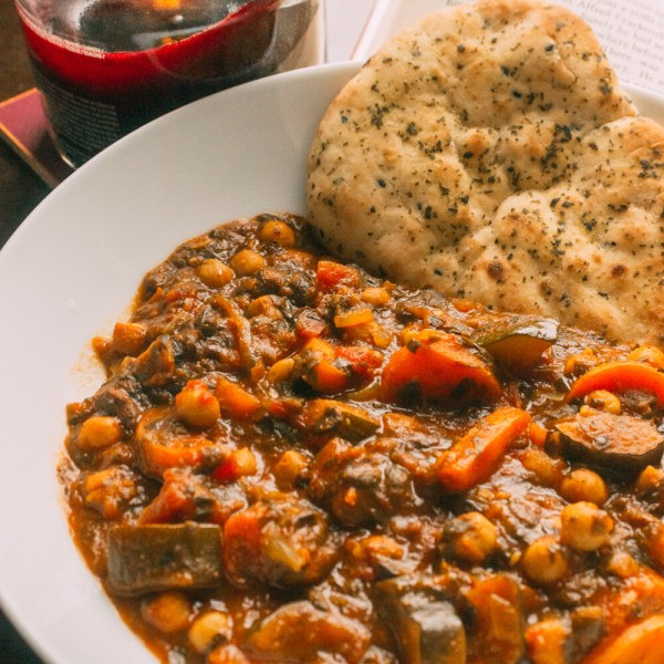 RECIPE   Vegan Chickpea and Vegetable Curry